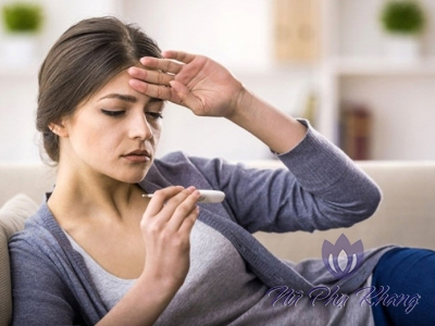 5 triệu chứng nào cảnh báo viêm phần phụ ở nữ giới?