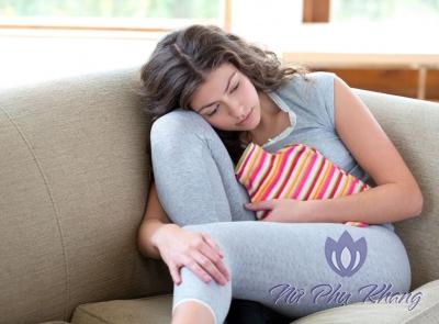 Làm gì để giảm đau bụng kinh tự nhiên không cần dùng thuốc?