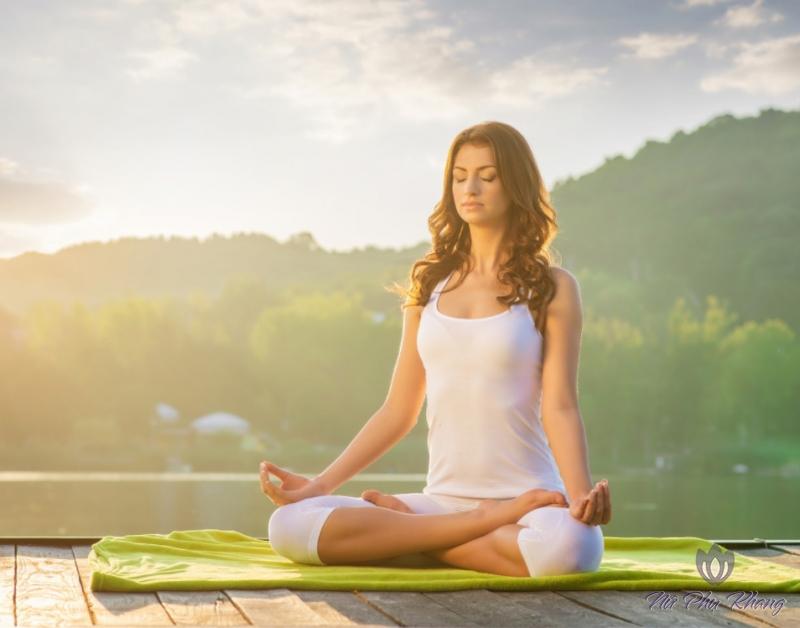 tap-yoga-de-tang-cuong-suc-khoe-chi-em-phu-nu